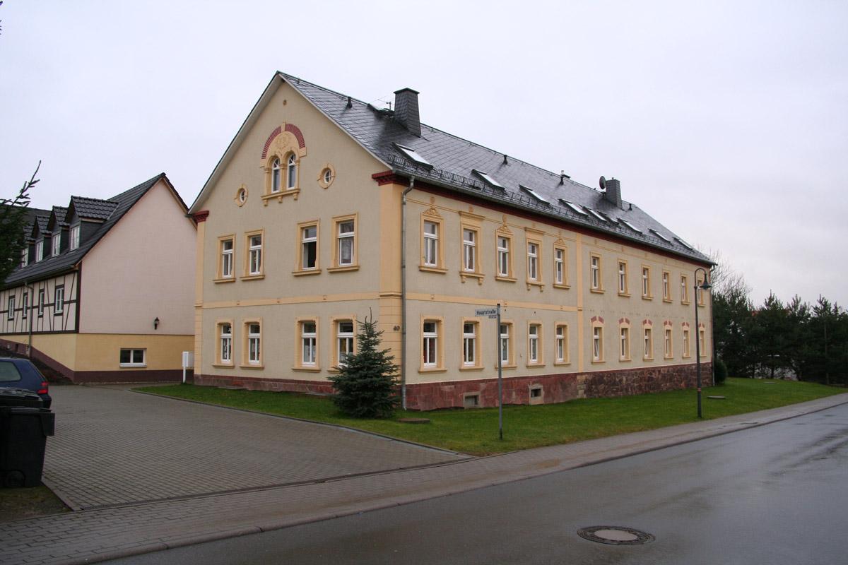 Mehrfamilienhaus Fenster